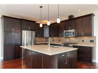 Photo 7: 704 Demel Pl in VICTORIA: Co Triangle House for sale (Colwood)  : MLS®# 686500