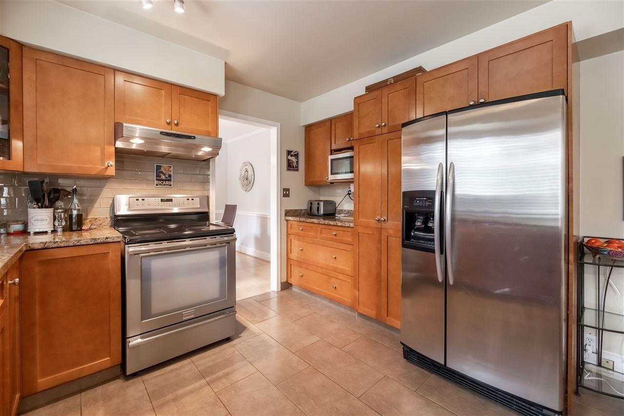"Photo 11: Photos: 11064 64A Avenue in Delta: Sunshine Hills Woods House for sale in ""SUNSHINE HILLS"" (N. Delta)  : MLS®# R2500699"