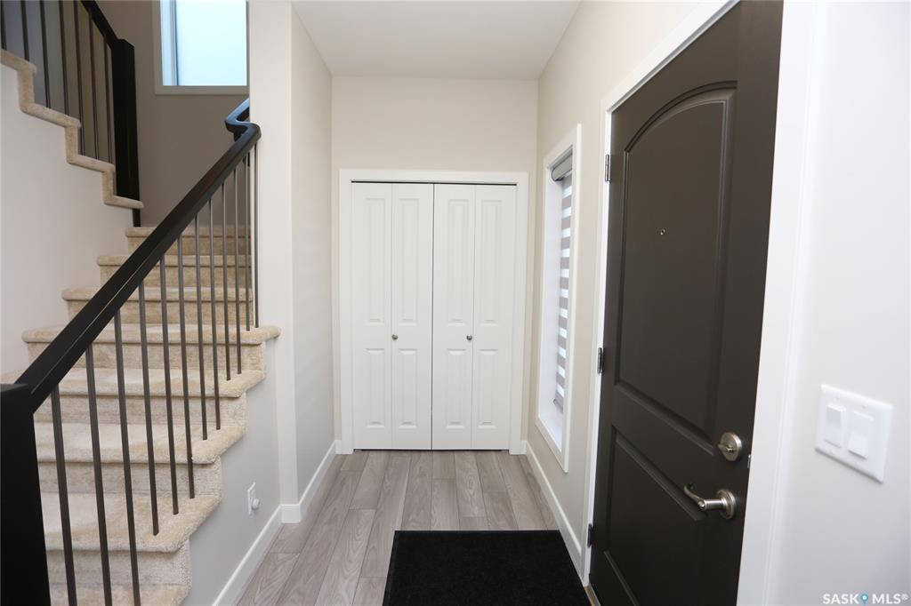 Photo 2: Photos: 230 Warder Cove in Saskatoon: Stonebridge Residential for sale : MLS®# SK843187