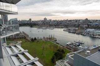 Photo 3: 1903 638 BEACH CRESCENT in Vancouver: Yaletown Condo for sale (Vancouver West)  : MLS®# R2339552
