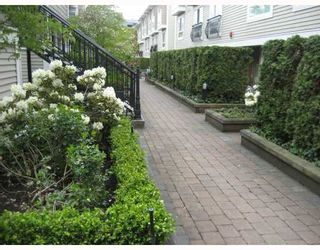 "Photo 9: 210 692 W 7TH Avenue in Vancouver: Fairview VW Townhouse for sale in ""LIBERTE"" (Vancouver West)  : MLS®# V766625"