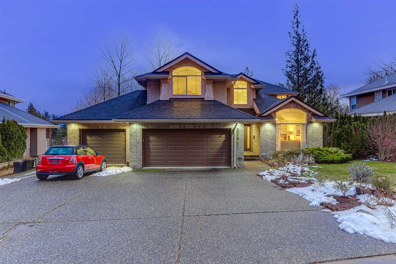 Main Photo: 35842 GRAYSTONE Drive: House for sale in Abbotsford: MLS®# R2539791