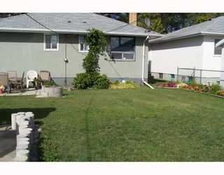 Photo 2: 974 BANNERMAN Avenue in WINNIPEG: North End Residential for sale (North West Winnipeg)  : MLS®# 2804796