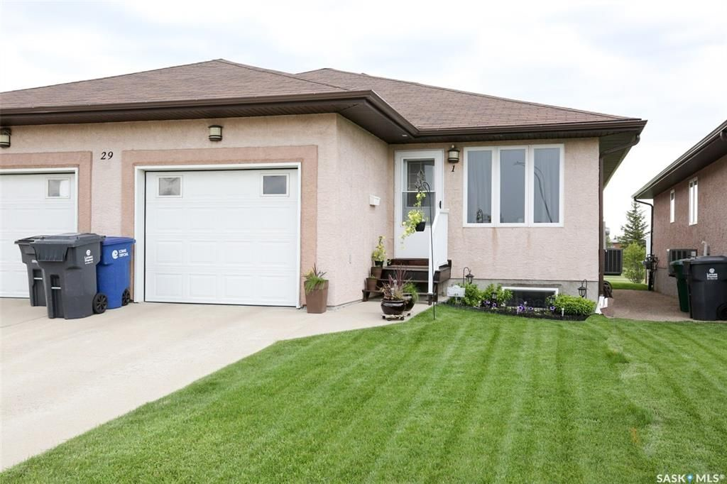 Main Photo: 1 29 Quappelle Crescent in Balgonie: Residential for sale : MLS®# SK860766