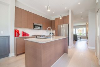 """Photo 8: 1 278 CAMATA Street in New Westminster: Queensborough Townhouse for sale in """"Canoe"""" : MLS®# R2403049"""