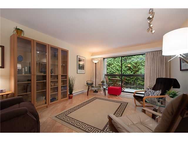 """Main Photo: # 303 6105 KINGSWAY BB in Burnaby: Highgate Condo for sale in """"Hambry Court"""" (Burnaby South)  : MLS®# V1030771"""