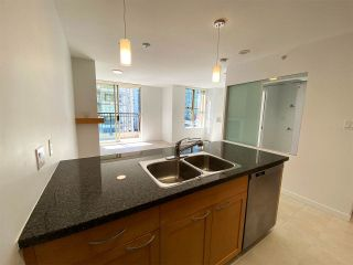 """Photo 2: 1001 989 RICHARDS Street in Vancouver: Downtown VW Condo for sale in """"Mondrian One"""" (Vancouver West)  : MLS®# R2585997"""