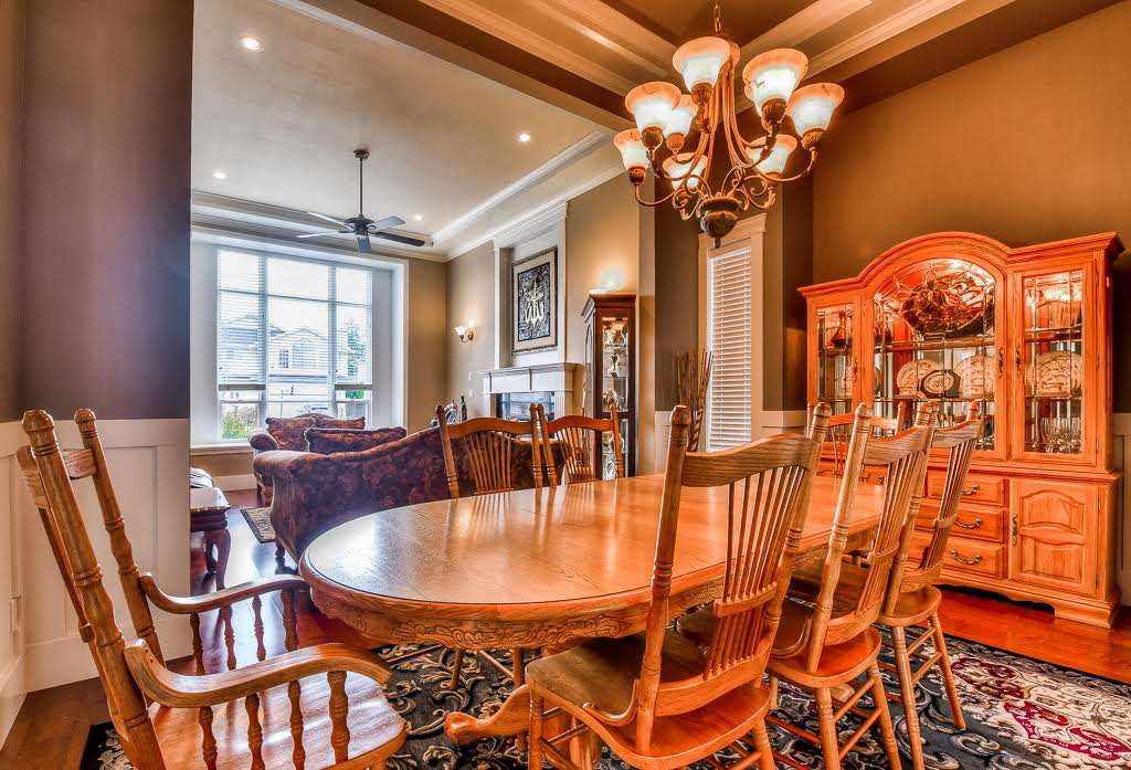Photo 4: Photos: 15927 89A Avenue in Surrey: Fleetwood Tynehead House for sale : MLS®# R2228908