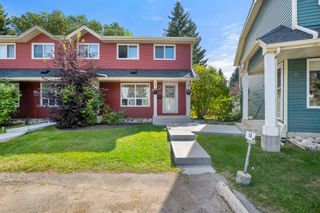 Main Photo: 14 Queen Anne Close SE in Calgary: Queensland Row/Townhouse for sale : MLS®# A1146388