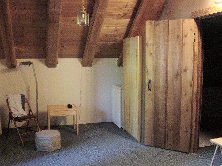Photo 13: Photos: Cozy Log Cabin in the Heart of Whistler