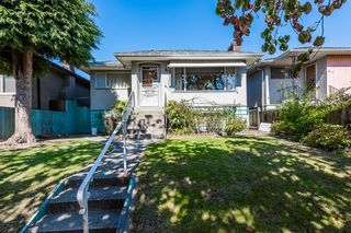 Photo 2: 823 W 64TH Avenue in Vancouver: Marpole House for sale (Vancouver West)  : MLS®# R2617029