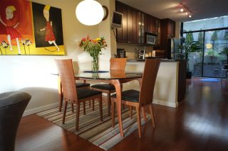 """Photo 5: 162 W 1ST Street in North Vancouver: Lower Lonsdale Townhouse for sale in """"ONE PARK LANE"""" : MLS®# R2024415"""