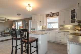 Photo 12: 208 Curtis Drive in Truro: 104-Truro/Bible Hill/Brookfield Residential for sale (Northern Region)  : MLS®# 202110216