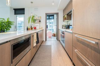 """Photo 13: 1858 38 SMITHE Street in Vancouver: Downtown VW Condo for sale in """"One Pacific"""" (Vancouver West)  : MLS®# R2525431"""