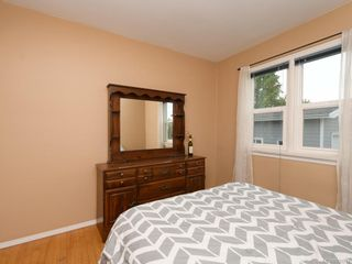 Photo 7: 521 E Burnside Rd in Victoria: Vi Burnside House for sale : MLS®# 839272