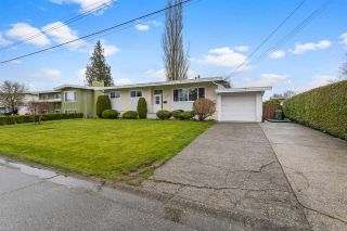 Photo 2: 46080 CAMROSE Avenue in Chilliwack: Fairfield Island House for sale : MLS®# R2562668