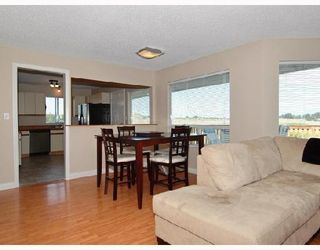 "Photo 3: 20037 OSPRING Street in Maple_Ridge: Southwest Maple Ridge House for sale in ""HAMMOND SOUTH OF RICHMOND"" (Maple Ridge)  : MLS®# V665364"