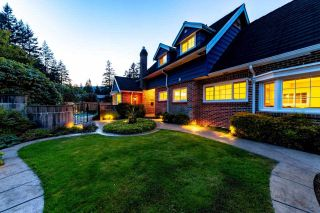 Photo 2: 1282 RYDAL AVENUE in North Vancouver: Canyon Heights NV House for sale : MLS®# R2337953