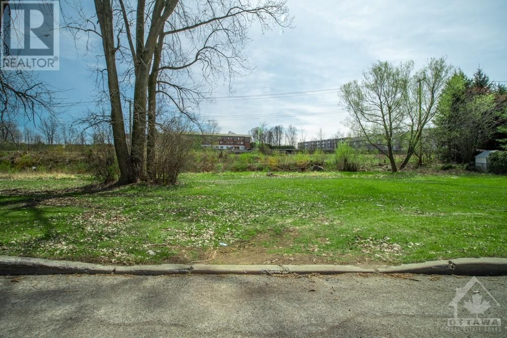 Main Photo: Lot 87 PORTELANCE AVENUE in Hawkesbury: Vacant Land for sale : MLS®# 1238636