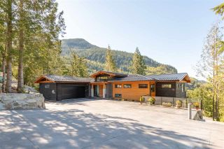 "Photo 3: 1024 GOAT RIDGE Drive: Britannia Beach House for sale in ""Britannia Beach"" (Squamish)  : MLS®# R2528236"