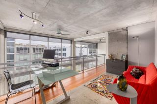 """Photo 11: PH610 1540 W 2ND Avenue in Vancouver: False Creek Condo for sale in """"The Waterfall Building"""" (Vancouver West)  : MLS®# R2580752"""