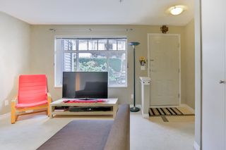 """Photo 6: 28 7488 SOUTHWYNDE Avenue in Burnaby: South Slope Townhouse for sale in """"LEDGESTONE I"""" (Burnaby South)  : MLS®# R2345140"""