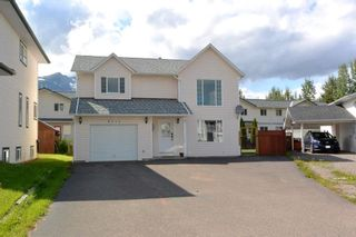 Photo 1: 4231 MOUNTAINVIEW Crescent in Smithers: Smithers - Town House for sale (Smithers And Area (Zone 54))  : MLS®# R2484583