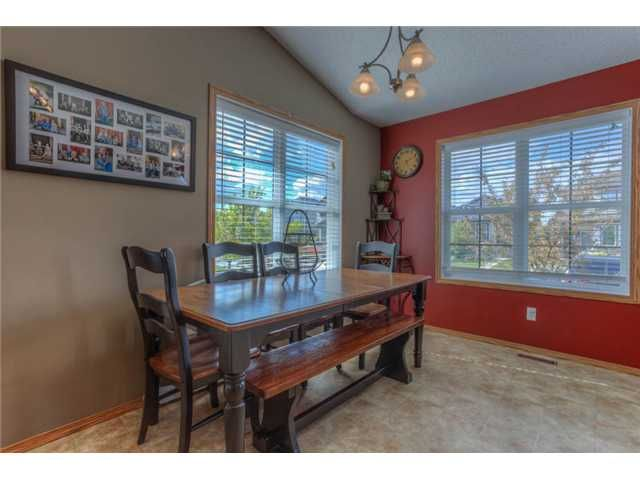 Photo 4: Photos: 168 EVERSYDE Circle SW in CALGARY: Evergreen Residential Detached Single Family for sale (Calgary)  : MLS®# C3620435