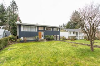 Photo 3: 2418 WARRENTON Avenue in Coquitlam: Central Coquitlam House for sale : MLS®# R2537280