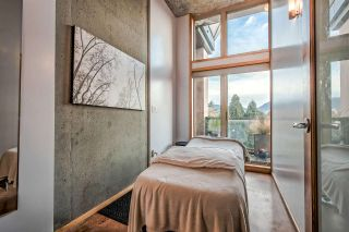 """Photo 7: 303 1529 W 6TH Avenue in Vancouver: False Creek Condo for sale in """"SOUTH GRANVILLE LOFTS"""" (Vancouver West)  : MLS®# R2349958"""