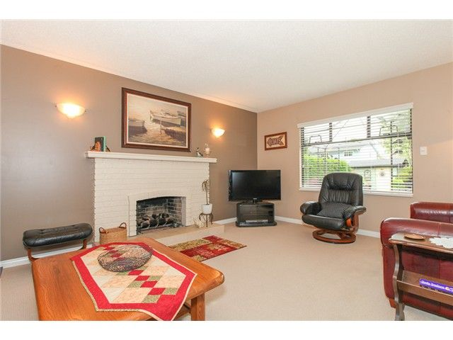 Photo 9: Photos: 5279 PATON DR in Ladner: Hawthorne House for sale : MLS®# V1123683