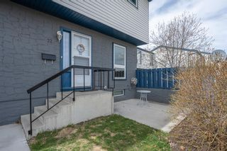 Photo 2: 22 6440 4 Street NW in Calgary: Thorncliffe Row/Townhouse for sale : MLS®# A1101798