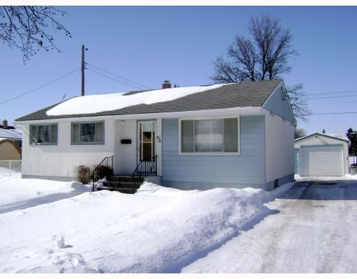 Main Photo:  in WINNIPEG: East Kildonan Residential for sale (North East Winnipeg)  : MLS®# 2903730