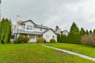 Photo 3: 9483 160 Street in Surrey: Fleetwood Tynehead House for sale : MLS®# R2358901