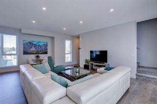 Photo 3: 205 Bow Grove NW in Calgary: Bowness Row/Townhouse for sale : MLS®# A1138305