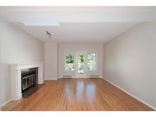 Photo 3: 2587 W 6TH Avenue in Vancouver: Kitsilano Townhouse for sale (Vancouver West)  : MLS®# V1126140
