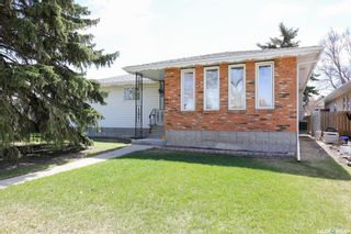 Photo 2: 165 Rink Avenue in Regina: Walsh Acres Residential for sale : MLS®# SK852632