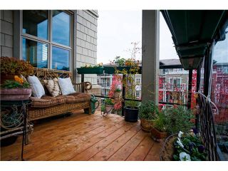 Photo 5: 304 6268 EAGLES Drive in Vancouver: University VW Condo for sale (Vancouver West)  : MLS®# V938491