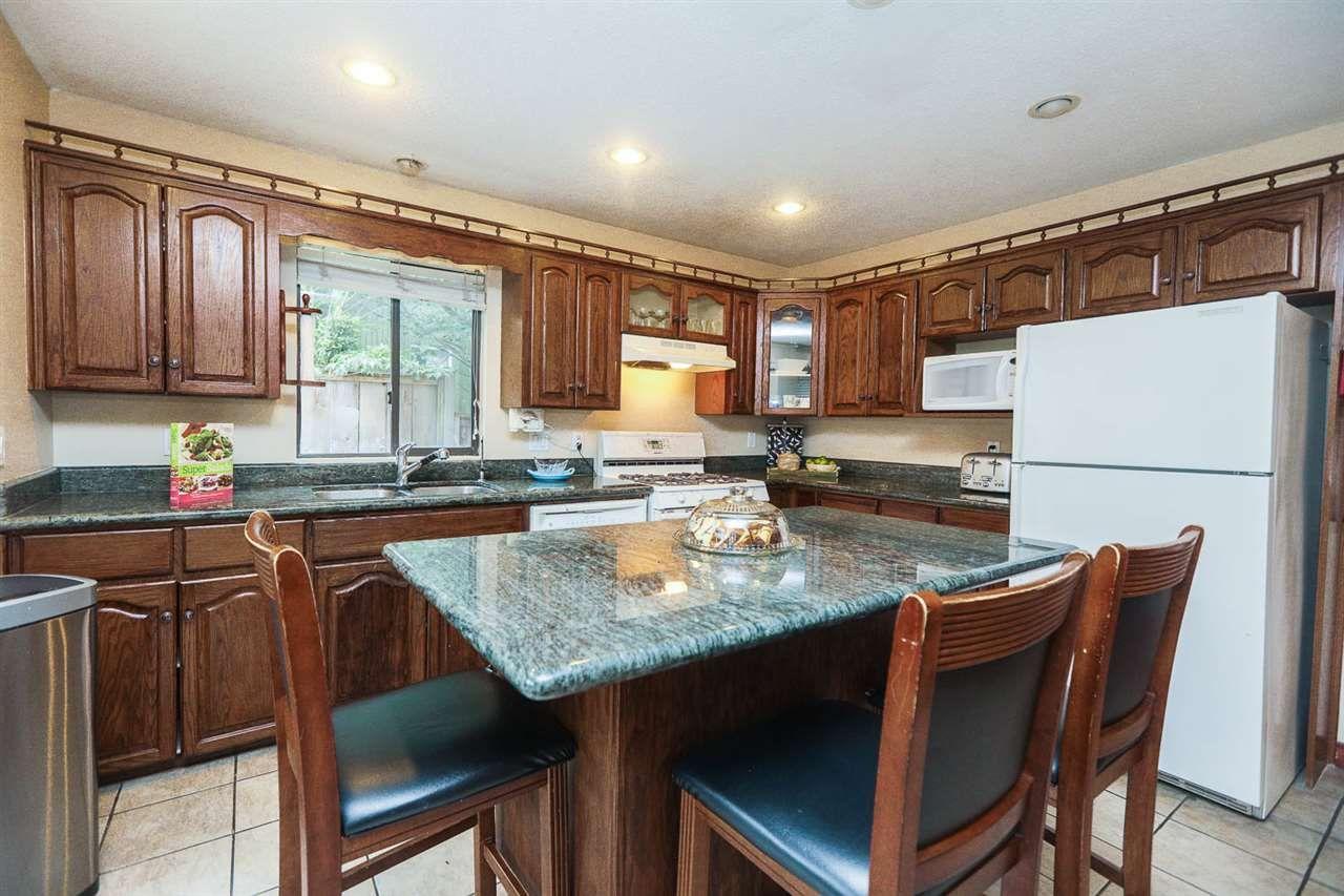 "Photo 9: Photos: 6764 NICHOLSON Road in Delta: Sunshine Hills Woods House for sale in ""SUNSHINE HILLS"" (N. Delta)  : MLS®# R2136095"