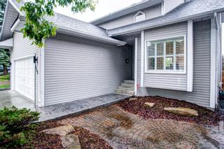 Photo 2: 140 Stratton Crescent SW in Calgary: Strathcona Park Detached for sale : MLS®# A1072152