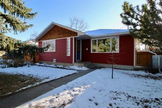 Photo 1: 915 40 Avenue NW in Calgary: Cambrian Heights Detached for sale : MLS®# A1050845