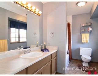 Photo 8: 9679 205A St in Walnut Grove: Home for sale