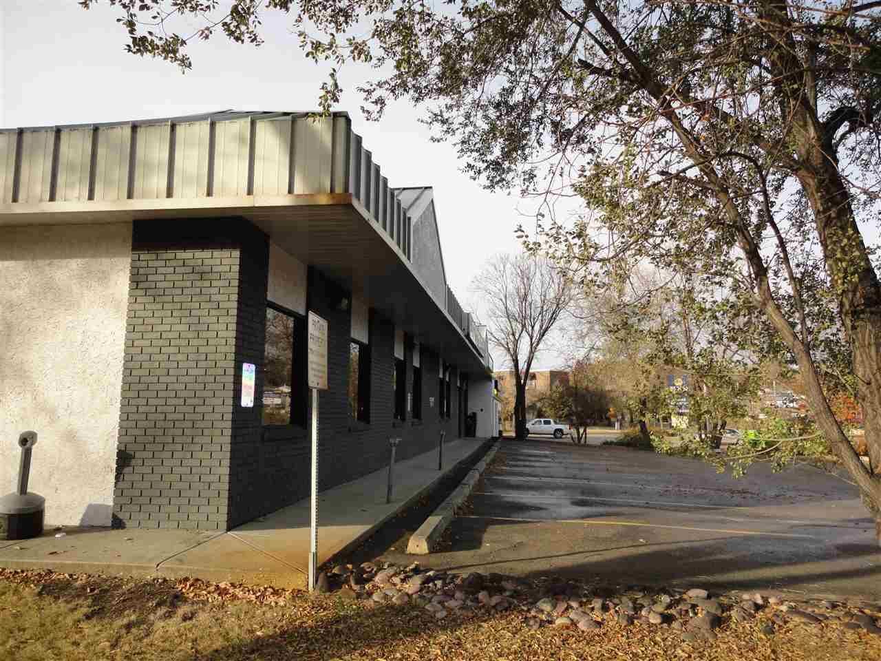Main Photo: 7815 101 Avenue in Edmonton: Zone 19 Office for lease : MLS®# E4220115