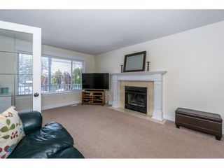 Photo 3: 32500 QUALICUM Place in Abbotsford: Central Abbotsford House for sale : MLS®# R2240933