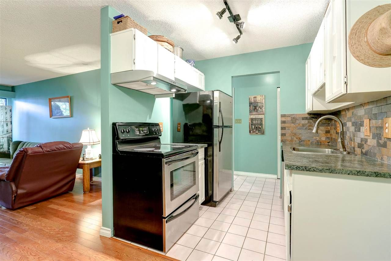 """Photo 3: Photos: 310 466 E EIGHTH Avenue in New Westminster: Sapperton Condo for sale in """"PARK VILLA"""" : MLS®# R2117704"""