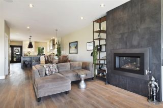 Photo 4: 350 E KEITH ROAD in North Vancouver: Central Lonsdale 1/2 Duplex for sale : MLS®# R2561727