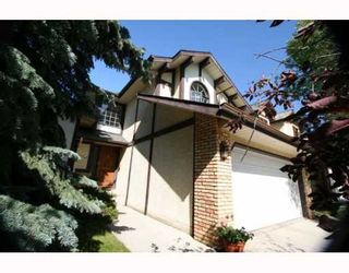 Photo 2: 100 STRATHAVEN Circle SW in CALGARY: Strathcona Park Residential Detached Single Family for sale (Calgary)  : MLS®# C3393643