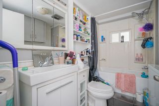 """Photo 11: 160 7790 KING GEORGE Boulevard in Surrey: East Newton Manufactured Home for sale in """"Crispen Bays"""" : MLS®# R2593825"""