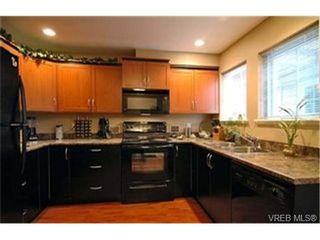 Photo 4:  in VICTORIA: La Langford Proper Row/Townhouse for sale (Langford)  : MLS®# 425893