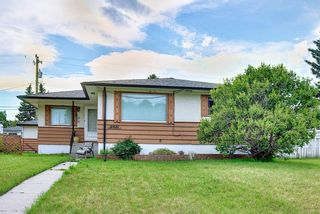 Main Photo: 5931 Centre Street NW in Calgary: Thorncliffe Detached for sale : MLS®# A1129883